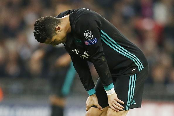 Ronaldo cui dau trong tran thua be mat cua Real hinh anh
