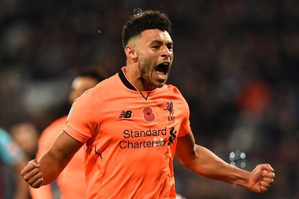 'Tu truong' Chamberlain thong nong, Liverpool thang de West Ham hinh anh