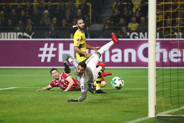 Tiep mach thang hoa, Bayern nhan chim Dortmund tren san khach hinh anh 12