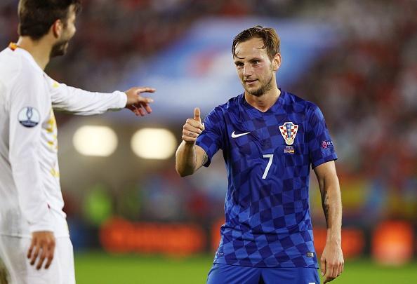 Doi hinh ngoi sao gop mat o vong play-off World Cup 2018 hinh anh 8