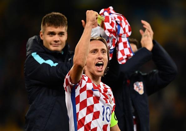 Doi hinh ngoi sao gop mat o vong play-off World Cup 2018 hinh anh 7