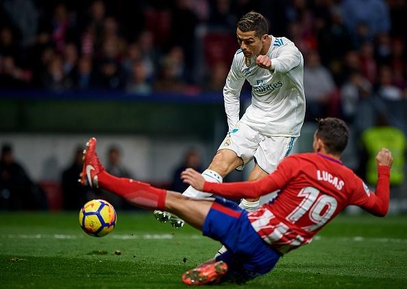 Cam chan nhau o derby, thanh Madrid bi Barca bo cach 10 diem hinh anh 8