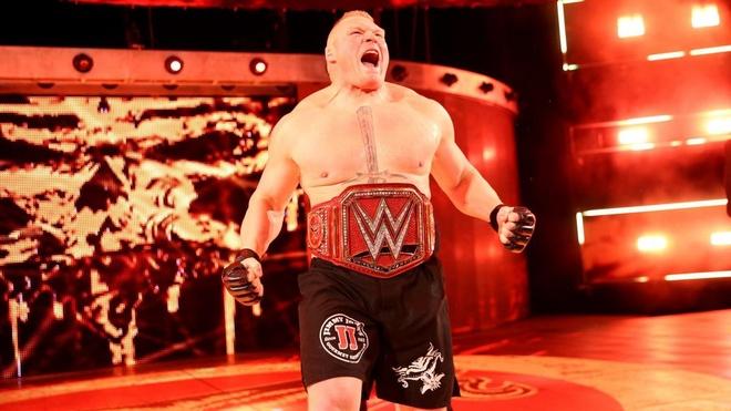 John Cena bi ha chong vanh trong lan tai xua anh 12