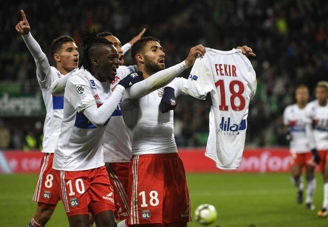 Hang nghin CDV an mung kieu Ronaldo de phan doi BTC Ligue 1 hinh anh 4