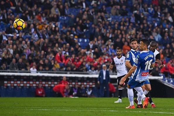 Thang tran thu 8 lien tiep, 'ngua o' Valencia bo xa Real 6 diem hinh anh 3