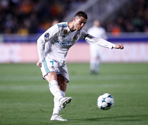 Ronaldo linh xuong doi hinh hay nhat luot 5 vong bang cup chau Au hinh anh 10