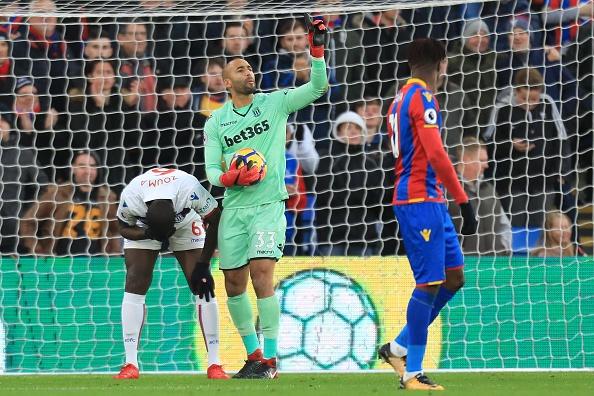 Sakho ghi ban thang vang dua Crystal Palace tro ve tu coi chet hinh anh 3