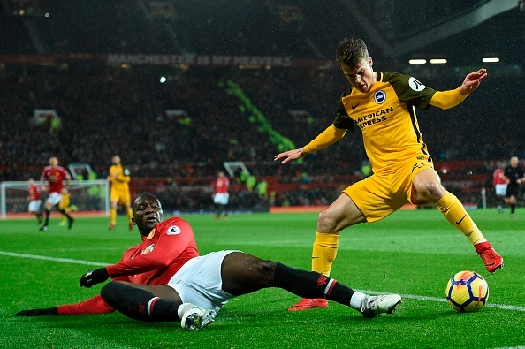 Mkhitaryan lai bi gat khoi doi hinh Man Utd anh 8