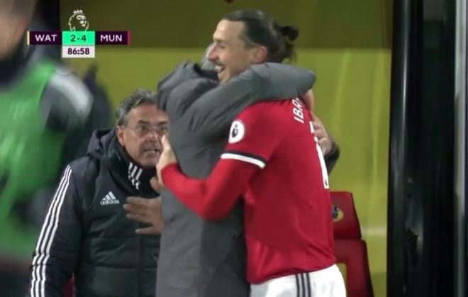 Bieu cam hai huoc cua Mourinho khi Young lap sieu pham hinh anh 12