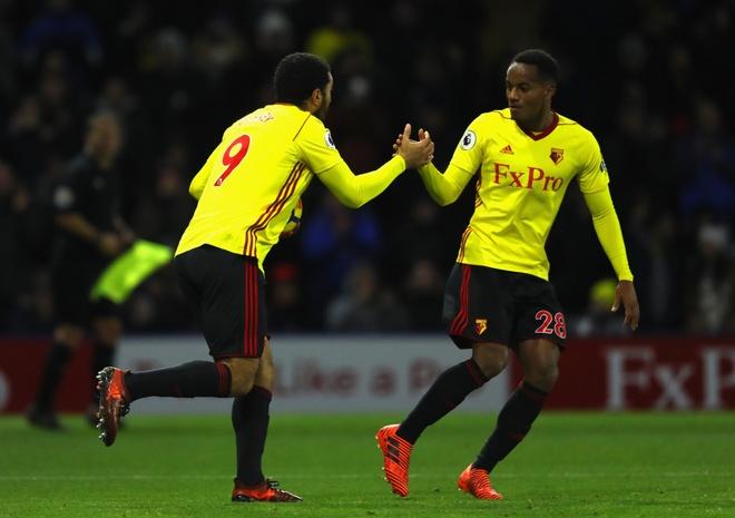 Bieu cam hai huoc cua Mourinho khi Young lap sieu pham hinh anh 10
