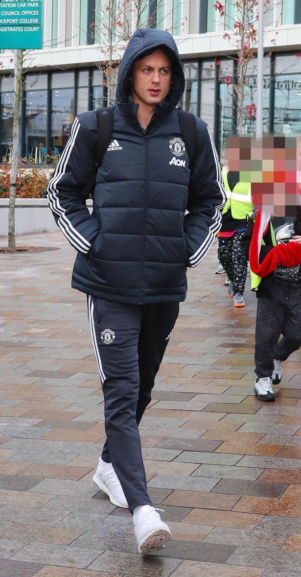Mourinho xac nhan 4 ngoi sao vang mat o dai chien Arsenal hinh anh 2