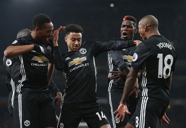 Lingard lap cu dup giup Man Utd nhan chim Arsenal tai Emirates hinh anh