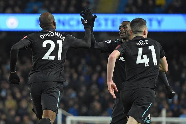 Man City chay da cho derby bang tran thang thu 13 lien tiep hinh anh 16