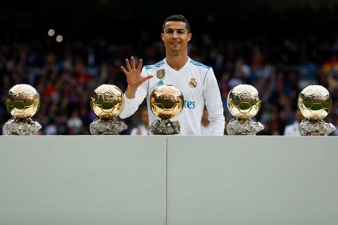 Ronaldo khoe Qua bong vang thu 5 truoc dai chien Sevilla hinh anh 3