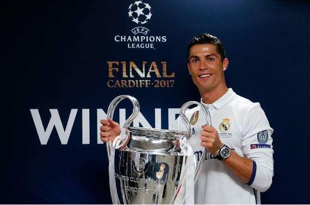 Cristiano Ronaldo nhan them danh hieu trong nam 2017 hinh anh
