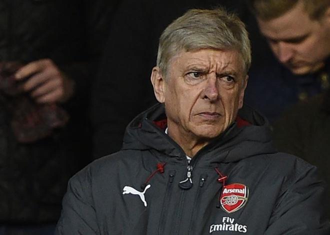 Thua Nottingham, Arsenal tai lap thanh tich te hai 22 nam truoc hinh anh