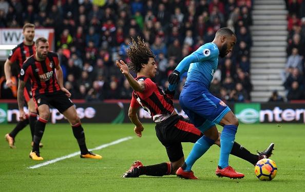 Vang Sanchez, Oezil, Arsenal thua nguoc Bournemouth 1-2 hinh anh 14