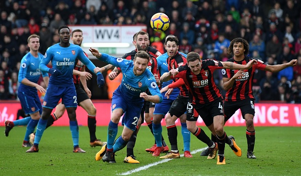 Vang Sanchez, Oezil, Arsenal thua nguoc Bournemouth 1-2 hinh anh 22