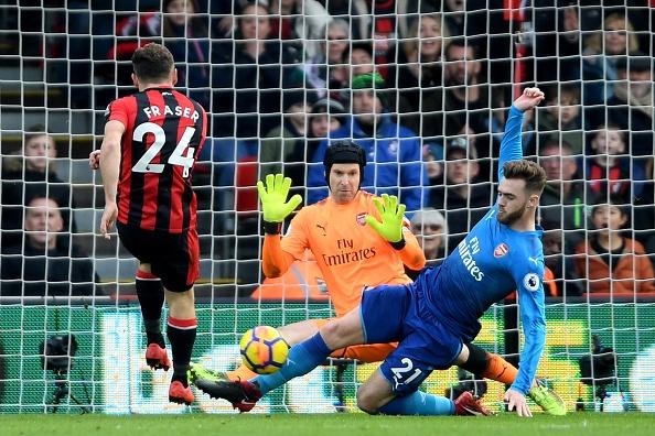 Vang Sanchez, Oezil, Arsenal thua nguoc Bournemouth 1-2 hinh anh 19
