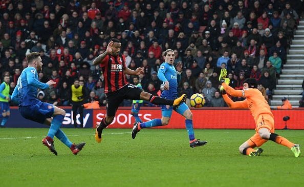Vang Sanchez, Oezil, Arsenal thua nguoc Bournemouth 1-2 hinh anh 25