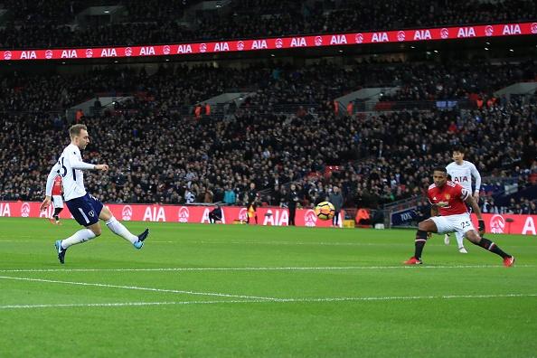 Sanchez da chinh, MU tham bai 0-2 tren san Tottenham hinh anh 2