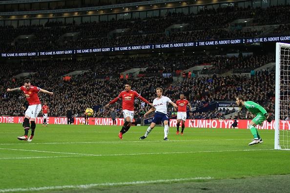 Sanchez da chinh, MU tham bai 0-2 tren san Tottenham hinh anh 7
