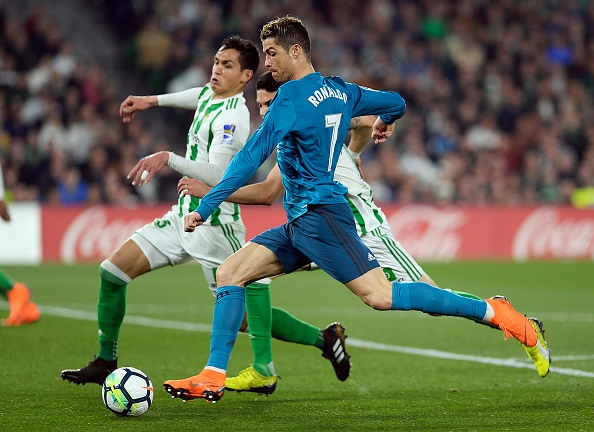 Sao tre lam lu mo Ronaldo trong chien thang cua Real tren san khach hinh anh 1