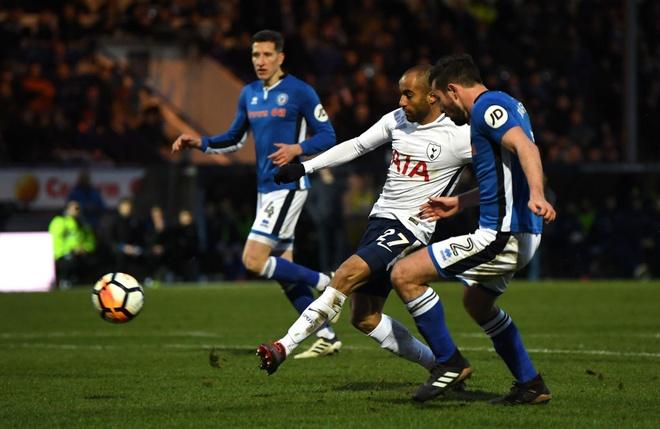 Harry Kane lap cong, Tottenham van phai da lai FA Cup voi doi hang 2 hinh anh 5
