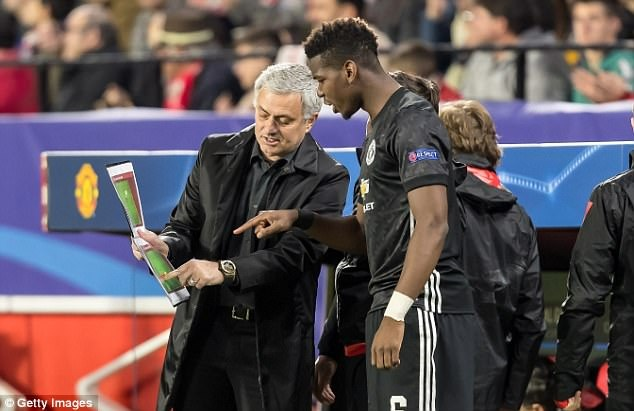 Voi Mourinho, Pogba khong con la tat ca hinh anh 3