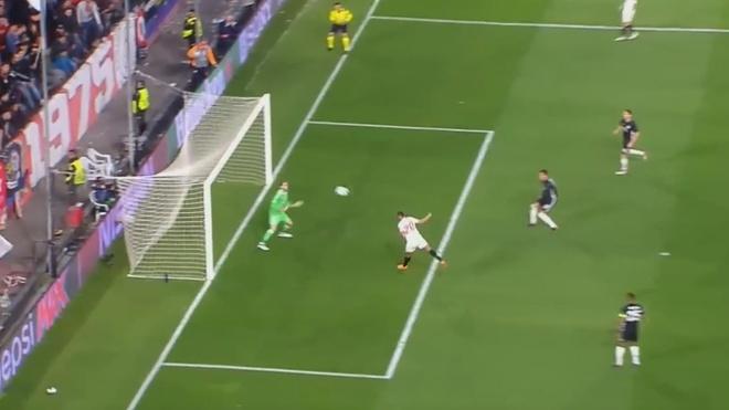 De Gea sanh ngang Van Der Sar sau man giai cuu Man Utd hinh anh 2