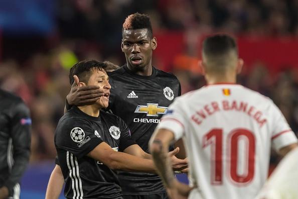 De Gea sanh ngang Van Der Sar sau man giai cuu Man Utd hinh anh 9