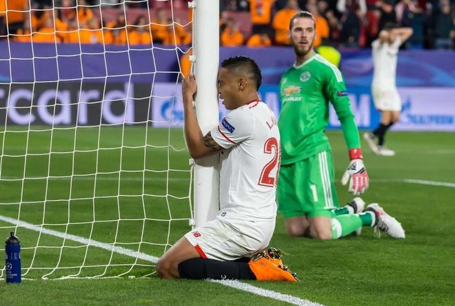 De Gea sanh ngang Van Der Sar sau man giai cuu Man Utd hinh anh 4