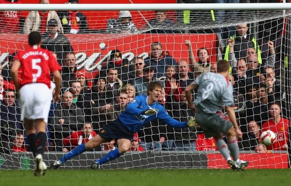 Doi hinh Man Utd thua Liverpool 1-4 tai Old Trafford gio ra sao? hinh anh 1
