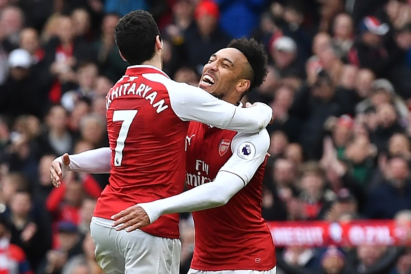 Arsenal 3-0 Watford: Aubameyang, Mkhitaryan thay nhau lap cong hinh anh