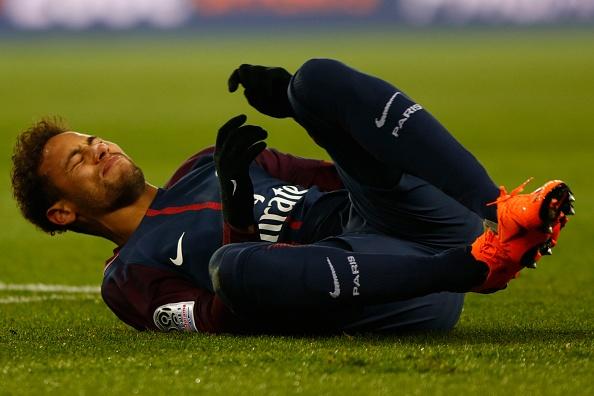 Kane, Neymar va nhung ngoi sao co nguy co ngoi nha xem World Cup hinh anh 9