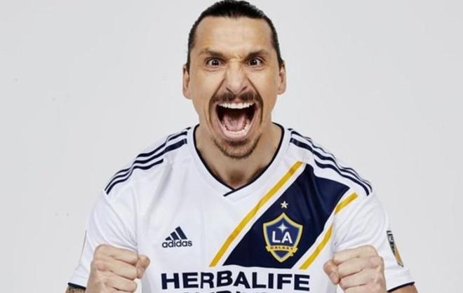 Ibrahimovic lap sieu pham volley o tran ra mat LA Galaxy hinh anh