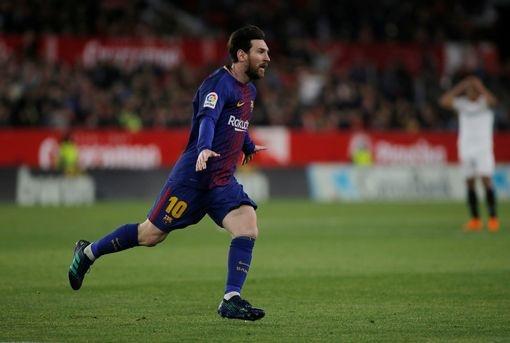 Messi cua long dang cap, Barca thoat thua tren san Sevilla hinh anh 3