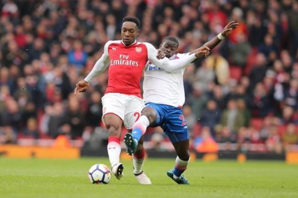 Arsenal 3-0 Stoke City: Aubameyang lap cu dup hinh anh 12