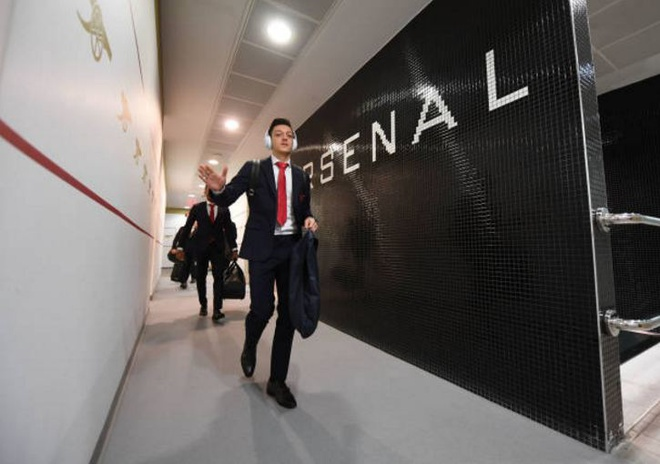 Arsenal 3-0 Stoke City: Aubameyang lap cu dup hinh anh 6
