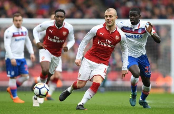 Arsenal 3-0 Stoke City: Aubameyang lap cu dup hinh anh 8