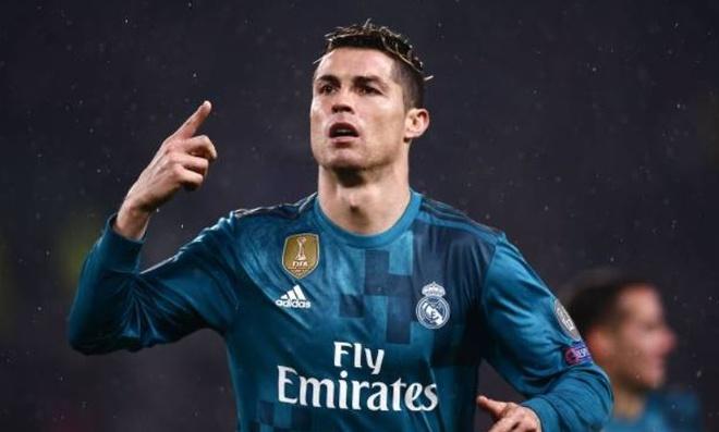 Ronaldo lap cu dup, Real nhan chim Juventus tren san khach hinh anh