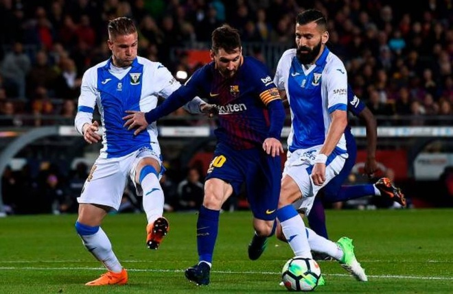 Messi ghi hat-trick, Barca lap ky luc bat bai o La Liga hinh anh 1