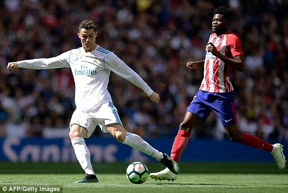 Real 1-1 Atletico: Ronaldo goi, Griezmann tra loi hinh anh 12