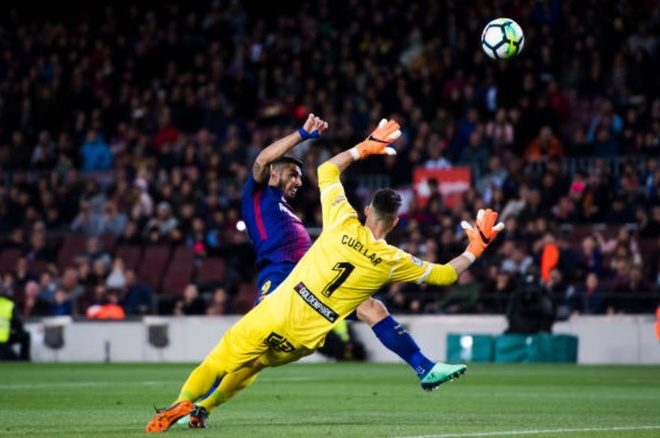 Messi ghi hat-trick, Barca lap ky luc bat bai o La Liga hinh anh 3