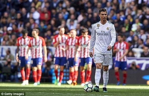 Real 1-1 Atletico: Ronaldo goi, Griezmann tra loi hinh anh 19