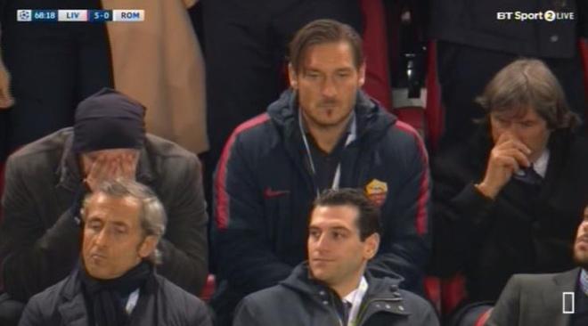 Totti 'can loi' khi chung kien AS Roma bi Salah nhan chim hinh anh