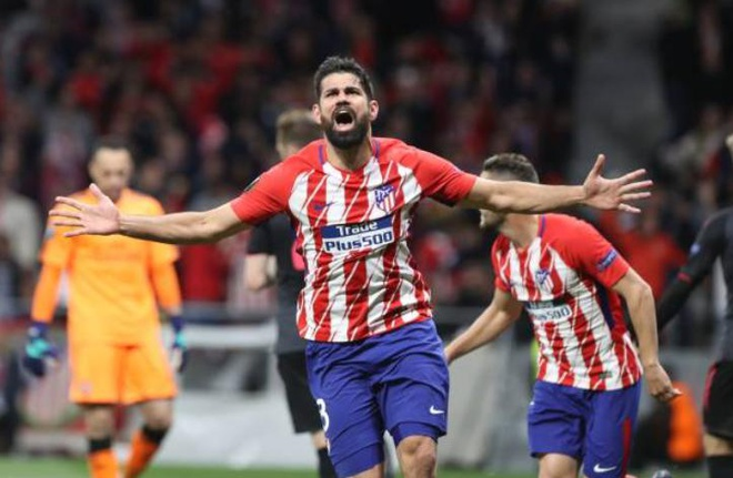 Diego Costa toa sang phut bu gio, Arsenal ngam ngui roi Europa League hinh anh