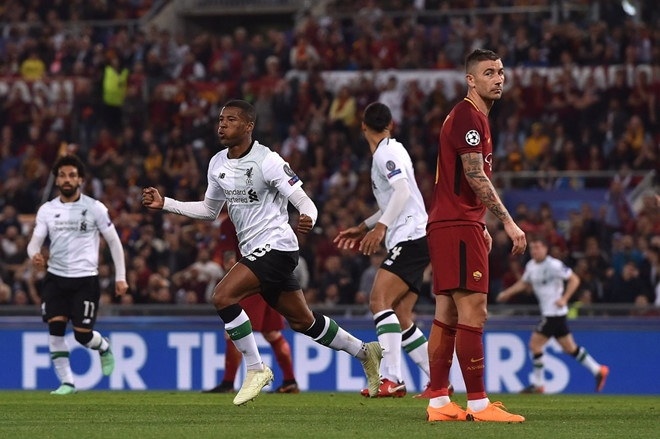 Fan MU cau xin Ronaldo ngan Liverpool vo dich Champions League hinh anh 2