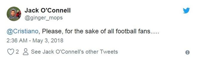 Fan MU cau xin Ronaldo ha Liverpool anh 8