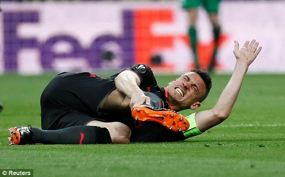 Diego Costa toa sang phut bu gio, Arsenal ngam ngui roi Europa League hinh anh 17